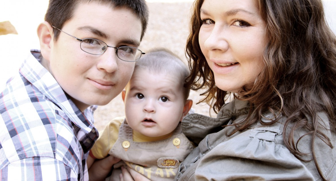 AlenaRogers, JourneyHome program participant,with her two boys, Brian (left) & Gabriel (center), in 2010