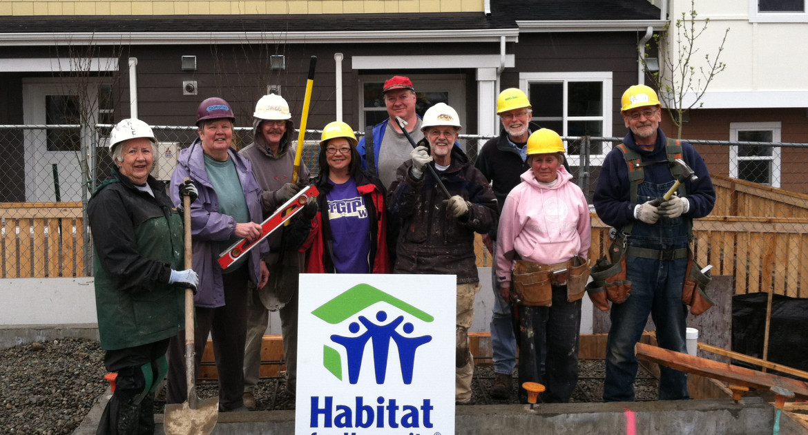 Habitat volunteers ready to go (Photo courtesy of Seattle-King County Habitat for Humanity Affiliate)