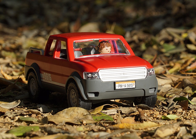 Red Playmobil pickup truck